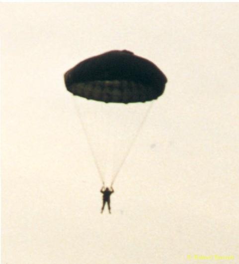 Roundchute_Dunaujvaros_1999