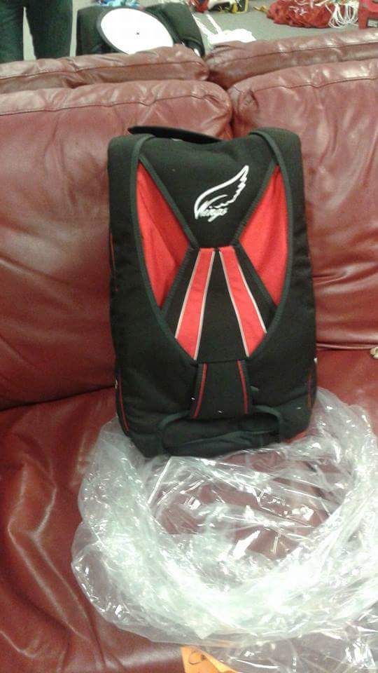 Brand new wings container $2000