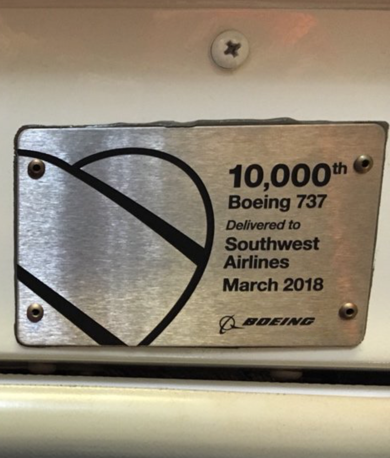 Boeing-737-placard-in-airplane.png