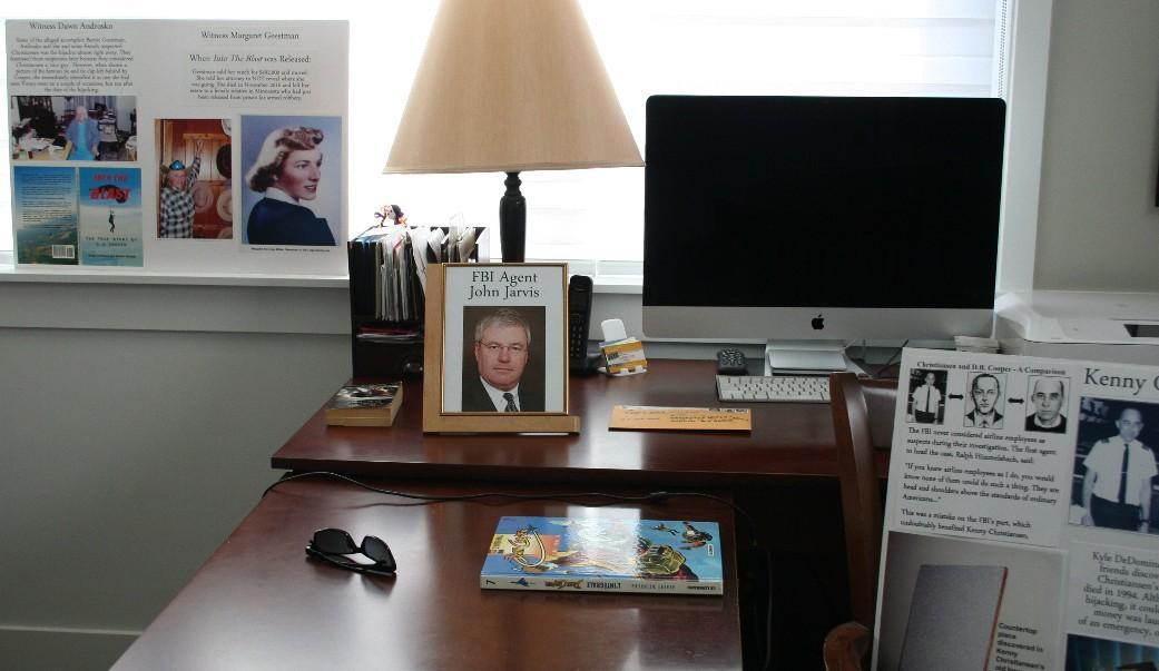 OfficeShotJarvis.jpg.8245eba7aa56168984b39d7f85701096.jpg