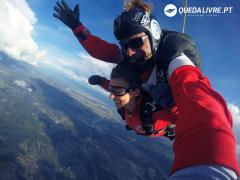 Skydiving in Queda Livre