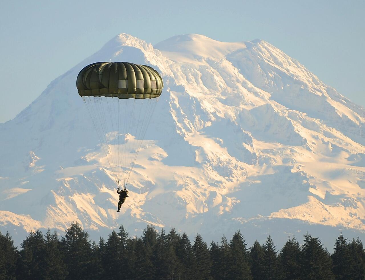 parachute skydiver.jpg